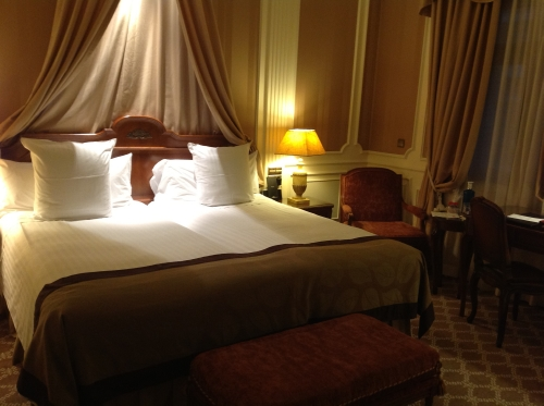 Grand Melia Fenix Madrid bedroom review