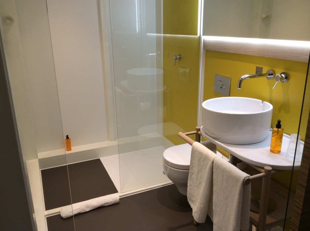 Qbic hotel london my review with photographs - Bathroom accessories london ...