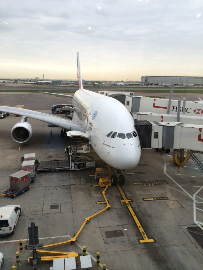 Emirates London lounge plane review