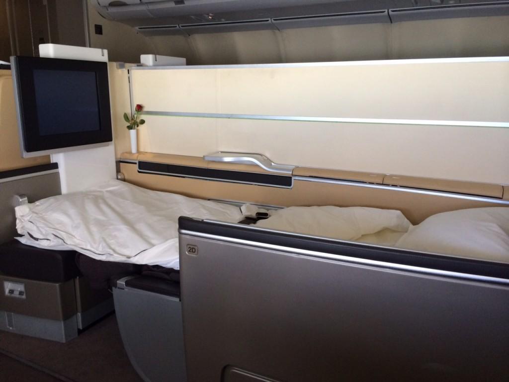 Lufthansa First Class bed A340 review