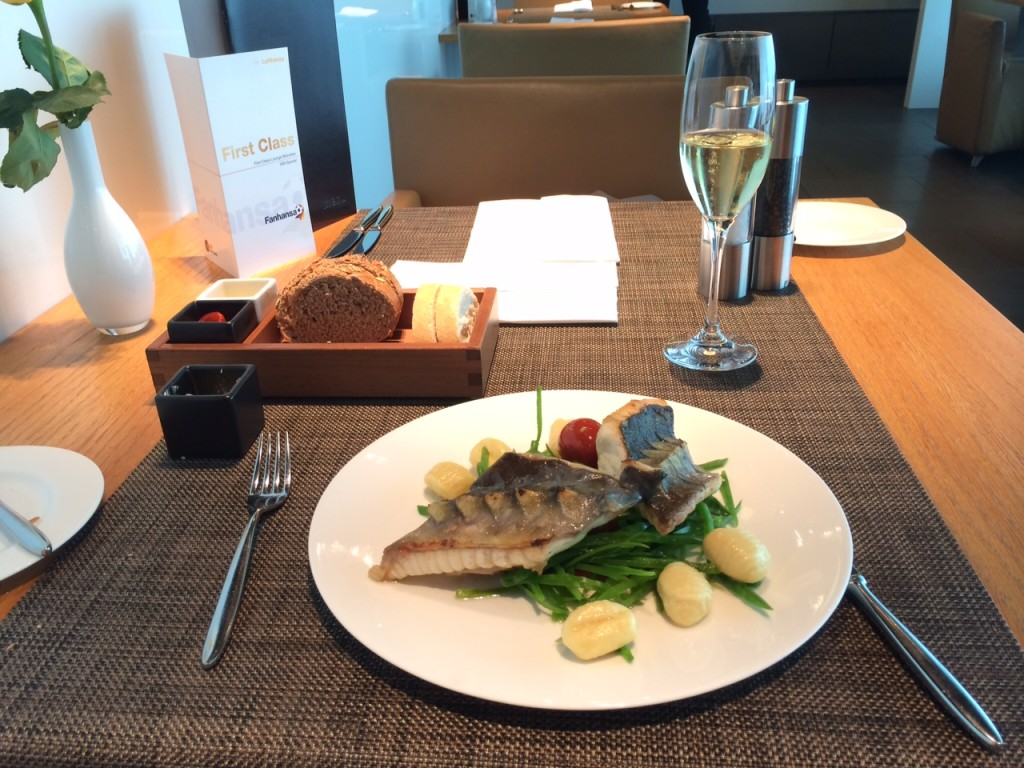 Lufthansa Munich First Class lounge 2 review