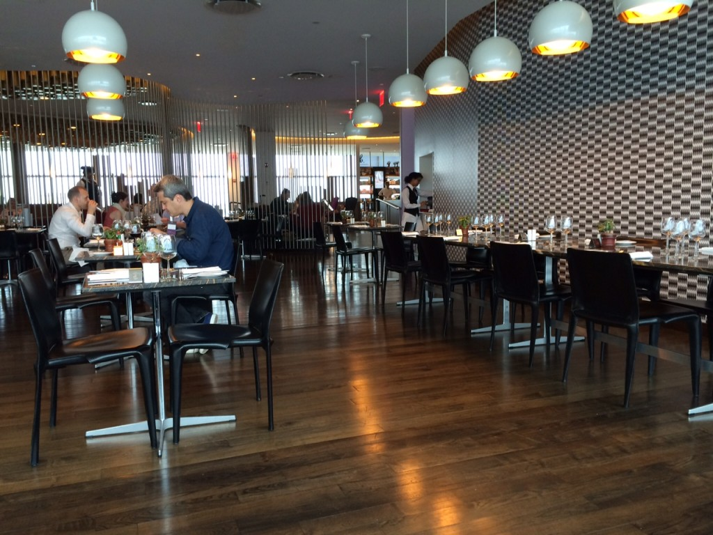 Virgin Clubhouse JFK dining area review