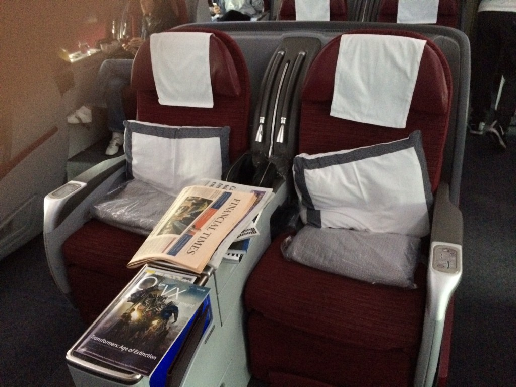 Qatar Airways 777 business class seating