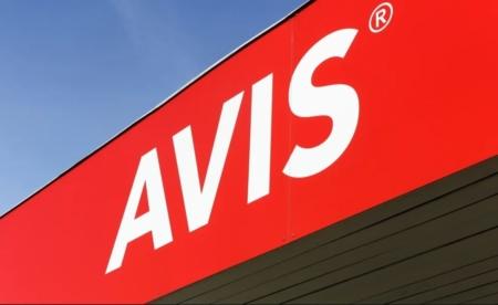 Get a status match between Avis and Hotels.com