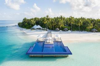Conrad Maldives pool