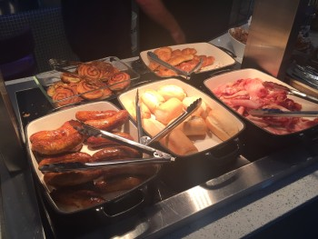 Aspire lounge Luton airport breakfast