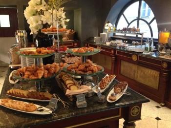 le grand hotel breakfast 4