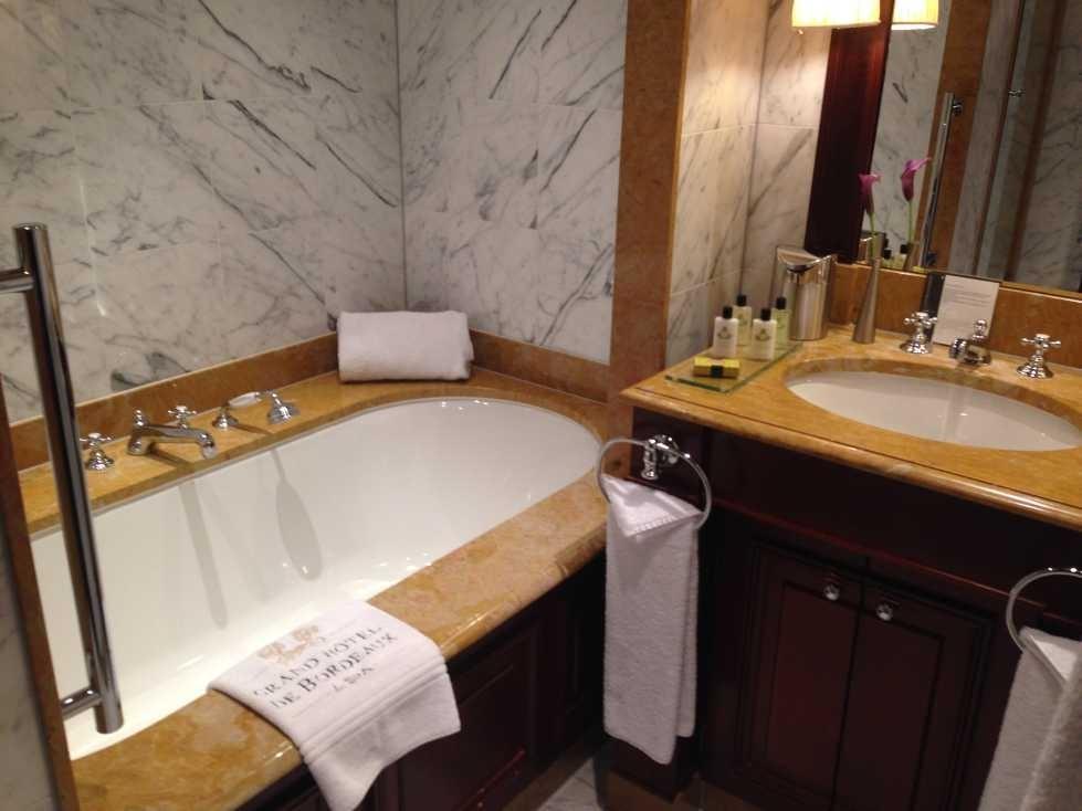 InterContinental Bordeaux - Le Grand Hotel review bathroom