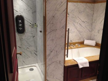 InterContinental Bordeaux - Le Grand Hotel review bathroom