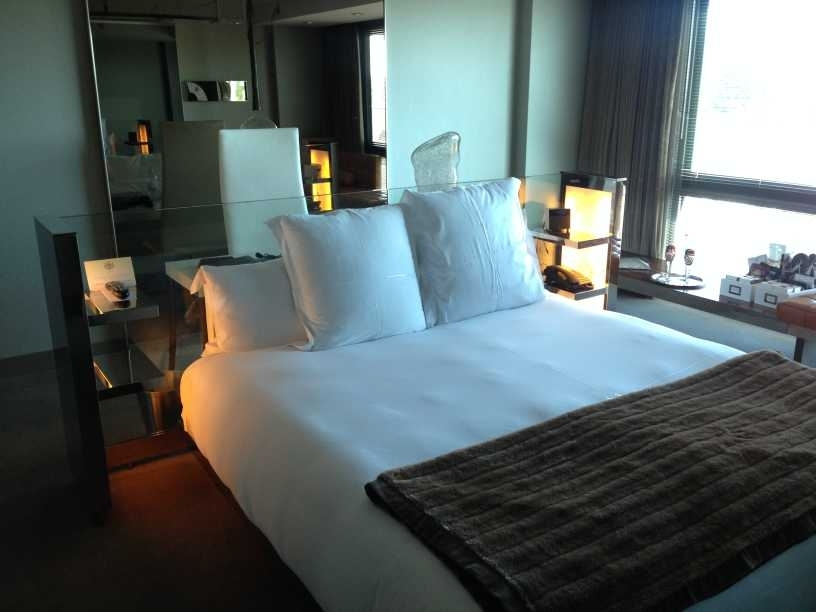 sls hotel at beverly hills los angeles review bedroom