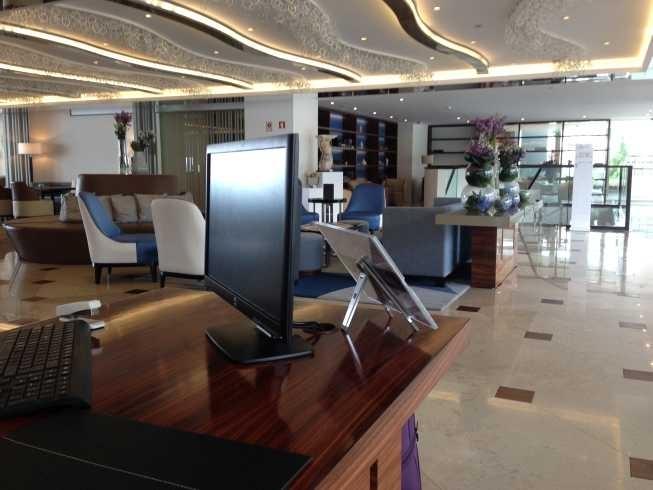 InterContinental Estoril review check in reception area
