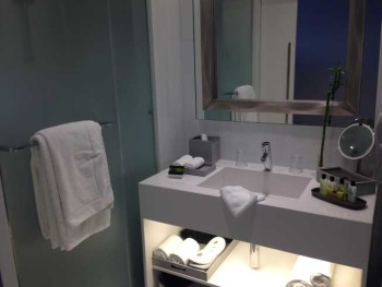 InterContinental Estoril review room bathroom