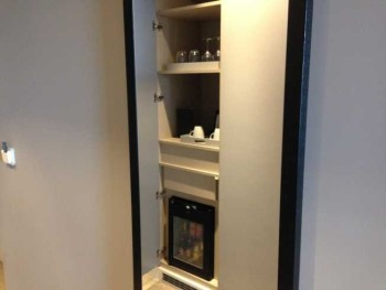 InterContinental Estoril review room hallway minibar kettle