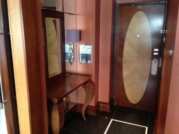 InterContinental Park Lane room halloway dressing table