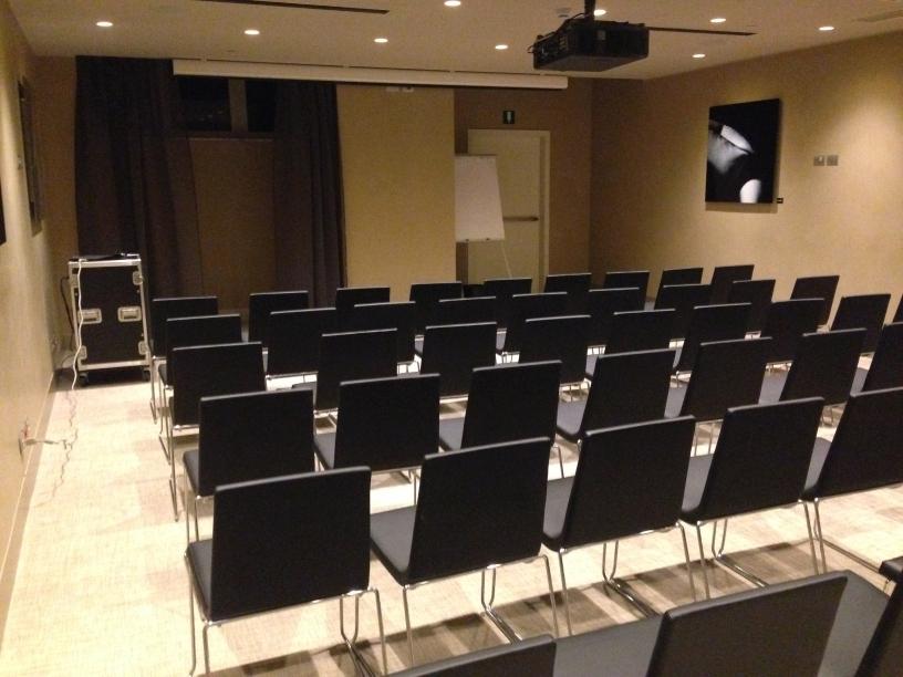 ME Milan meeting room