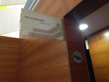 Iberia Dali VIP lounge in Madrid relaxation area