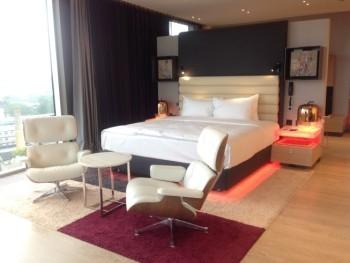 Hilton tallinn park review presidential suite bedrom