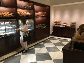 Review of InterContinental New York Barclay hotel breakfast