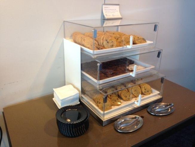 JFK airport new york admirals lounge cookies