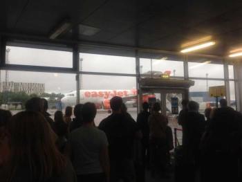 easyjet flight tallinn to london