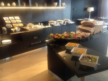 hilton tallinn executive lounge review breakfast