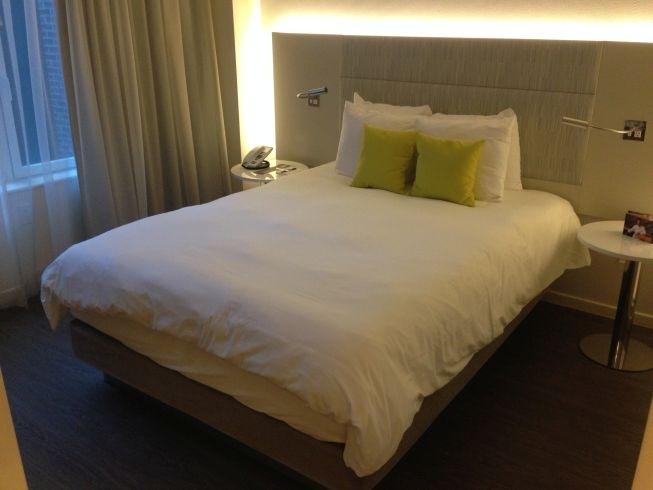 innside melia new york room bed