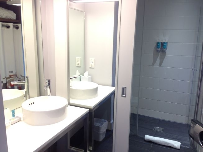 Aloft liverpool room bathroom for Bathrooms liverpool