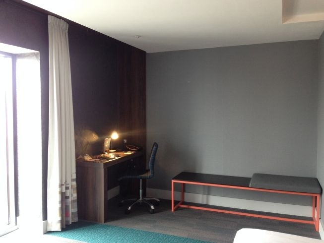 aloft liverpool hotel review desk luggage bench