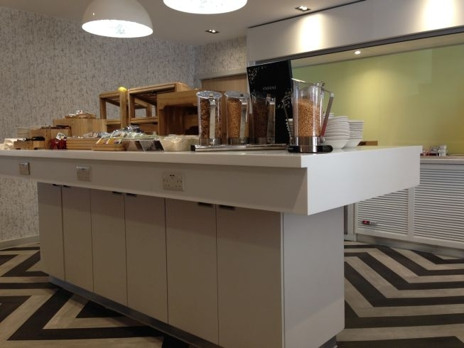 ibis styles heathrow airport review restaurant breakfast