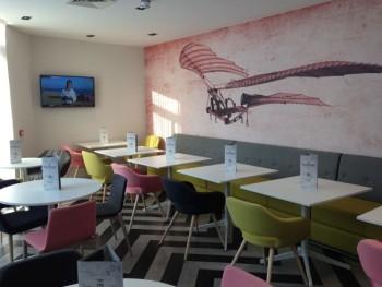 ibis styles heathrow airport review restaurant corner TV