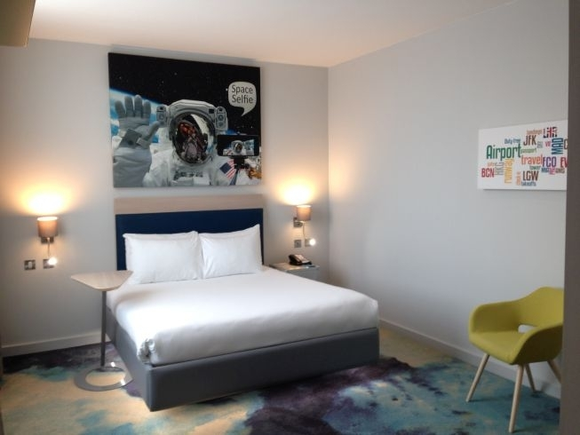 ibis styles heathrow airport review small room no sofa