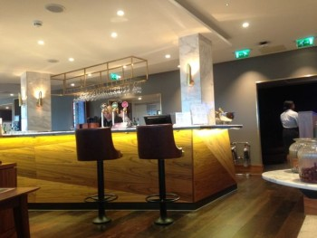 no-1-lounge-gatwick-south-bar