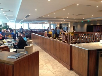 no-1-lounge-gatwick-south-tables