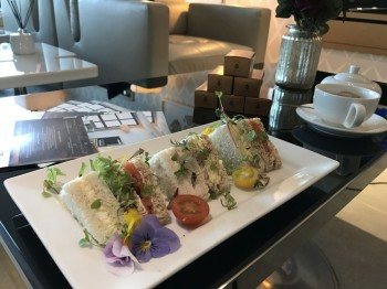 first-class-lounge-city-airport-jet-centre-sandwiches