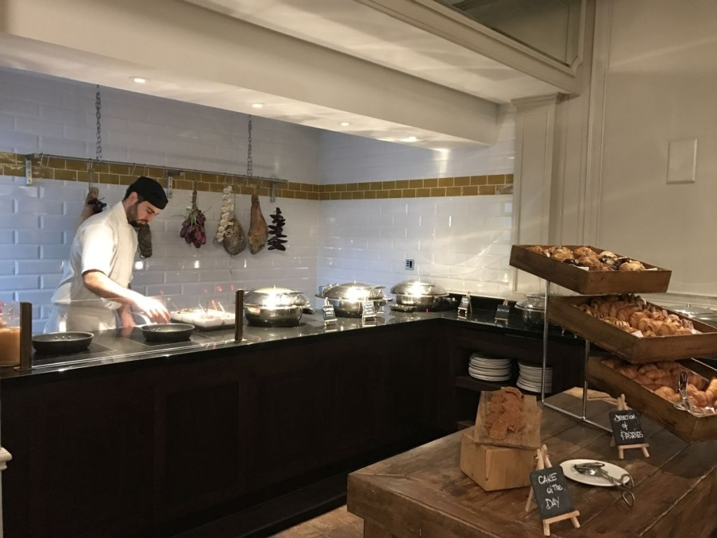 sheraton-grand-park-lane-review mercante-restaurant-breakfast-chef-pastries