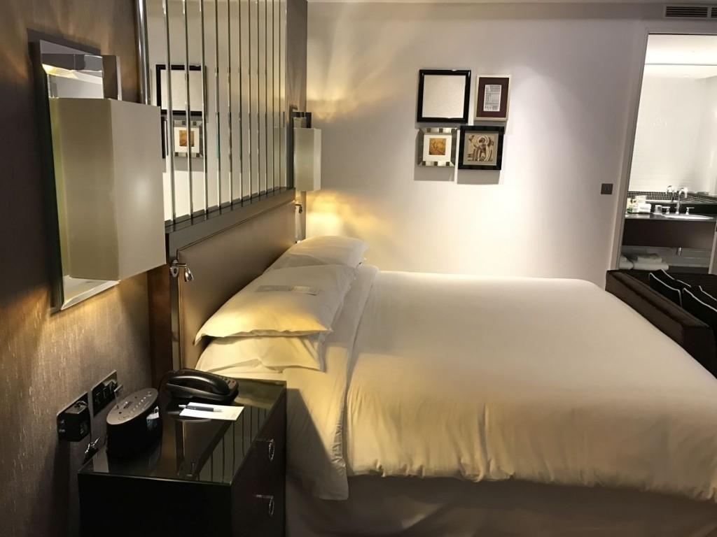 sheraton-grand-park-lane-review park-view-suite-bedroom