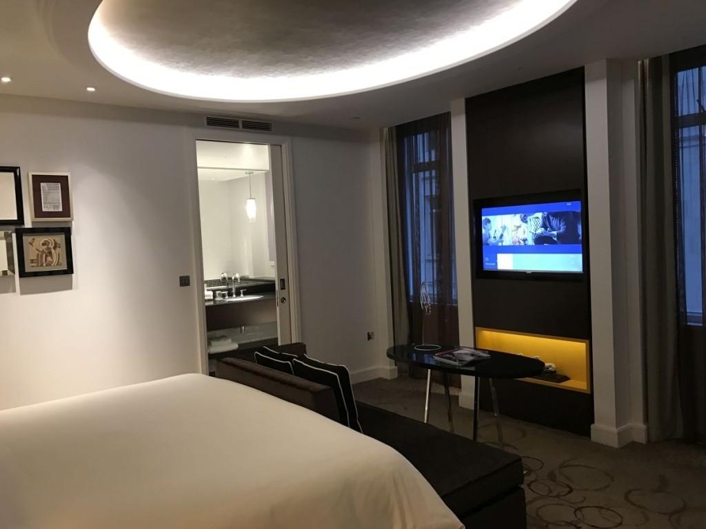 sheraton-grand-park-lane-review park-view-suite-bedroom-tv