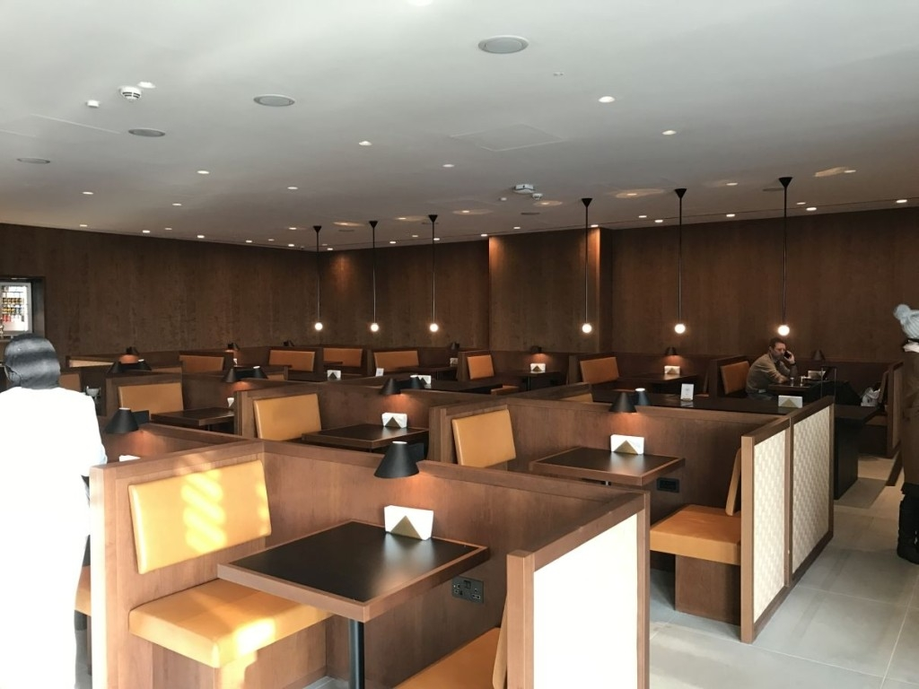 cathay-pacific-business-class-lounge-heathrow-terminal-3-restaurant