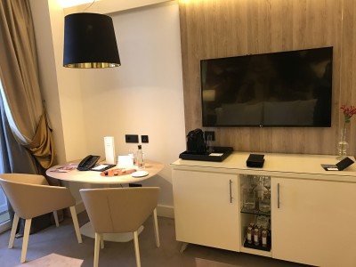 Gran Melia Palacio De Los Duques Madrid bedroom tv desk