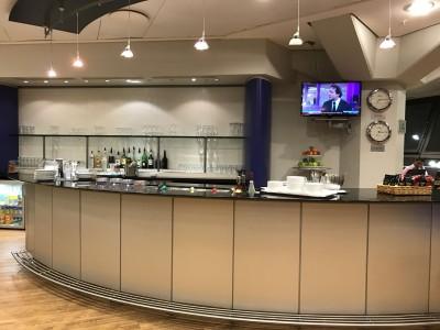 british-airways-terraces-lounge-berlin-tegel-review-bar