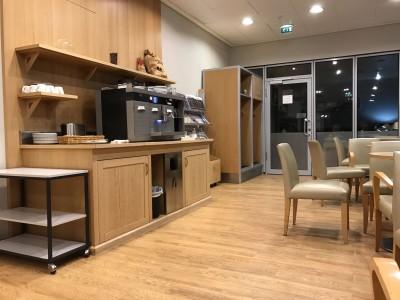 british-airways-terraces-lounge-berlin-tegel-review-coffee