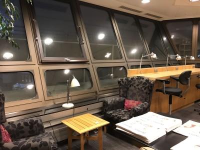 british-airways-terraces-lounge-berlin-tegel-review-workspace
