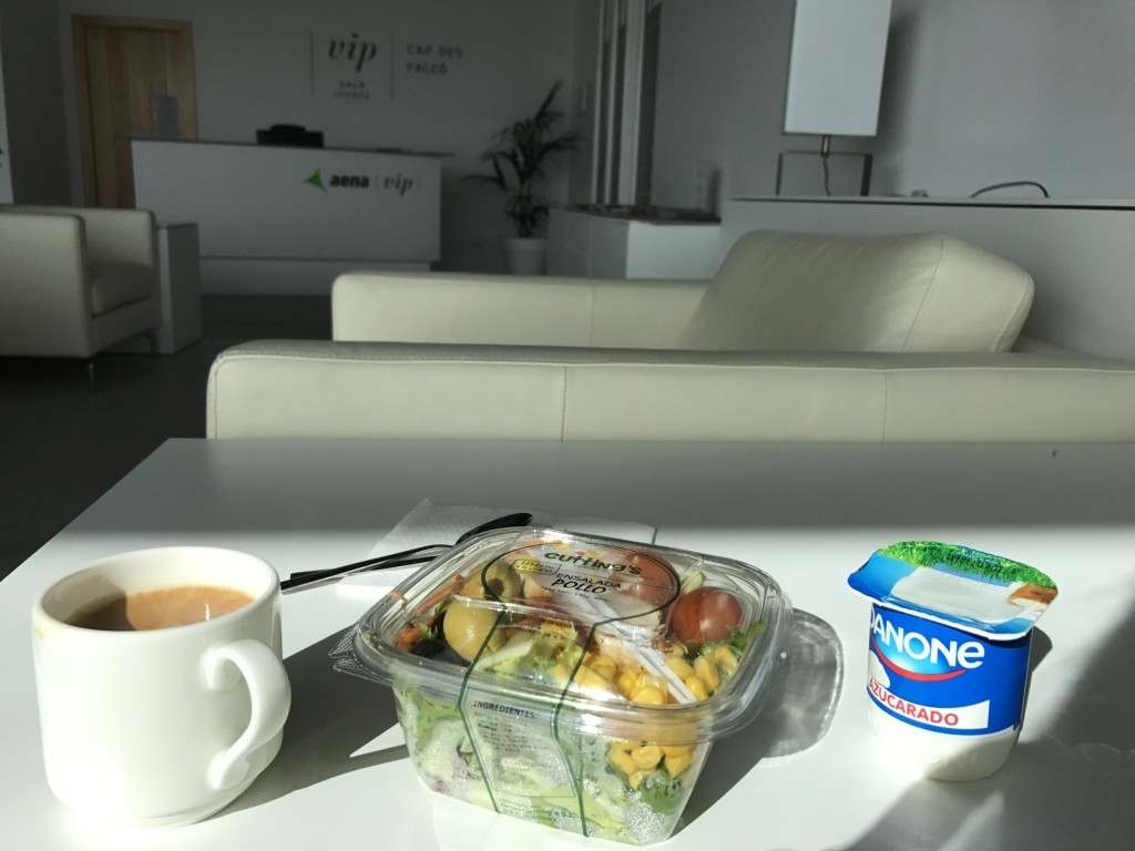sala lounge cap des falco aena vip ibiza airport lounge food reception