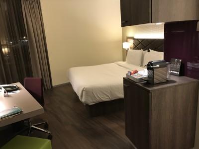 frankfurt element westin airport hotel bedroom bed