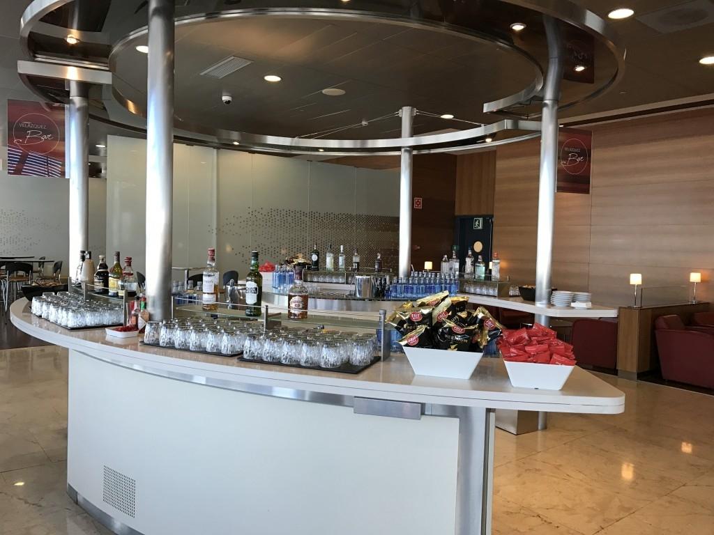 madrid airport sala velazquez lounge bar