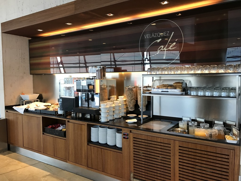 madrid airport sala velazquez lounge cafe
