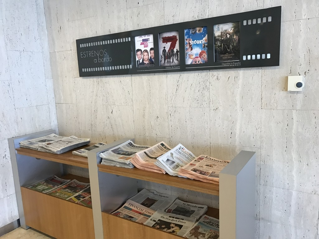 madrid airport sala velazquez lounge newspapers