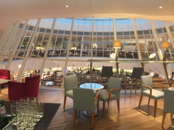 Can I pay to get access to a british airways airport lounge?