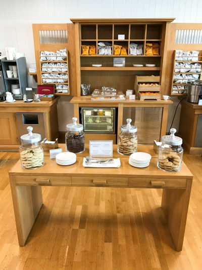 Review British Airways Terraces lounge newcastle snacks