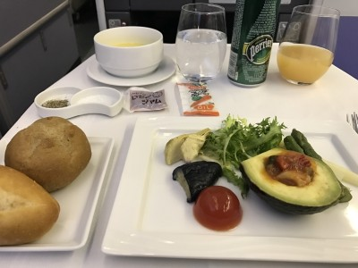 ANA business class review London Heathrow Tokyo Haneda
